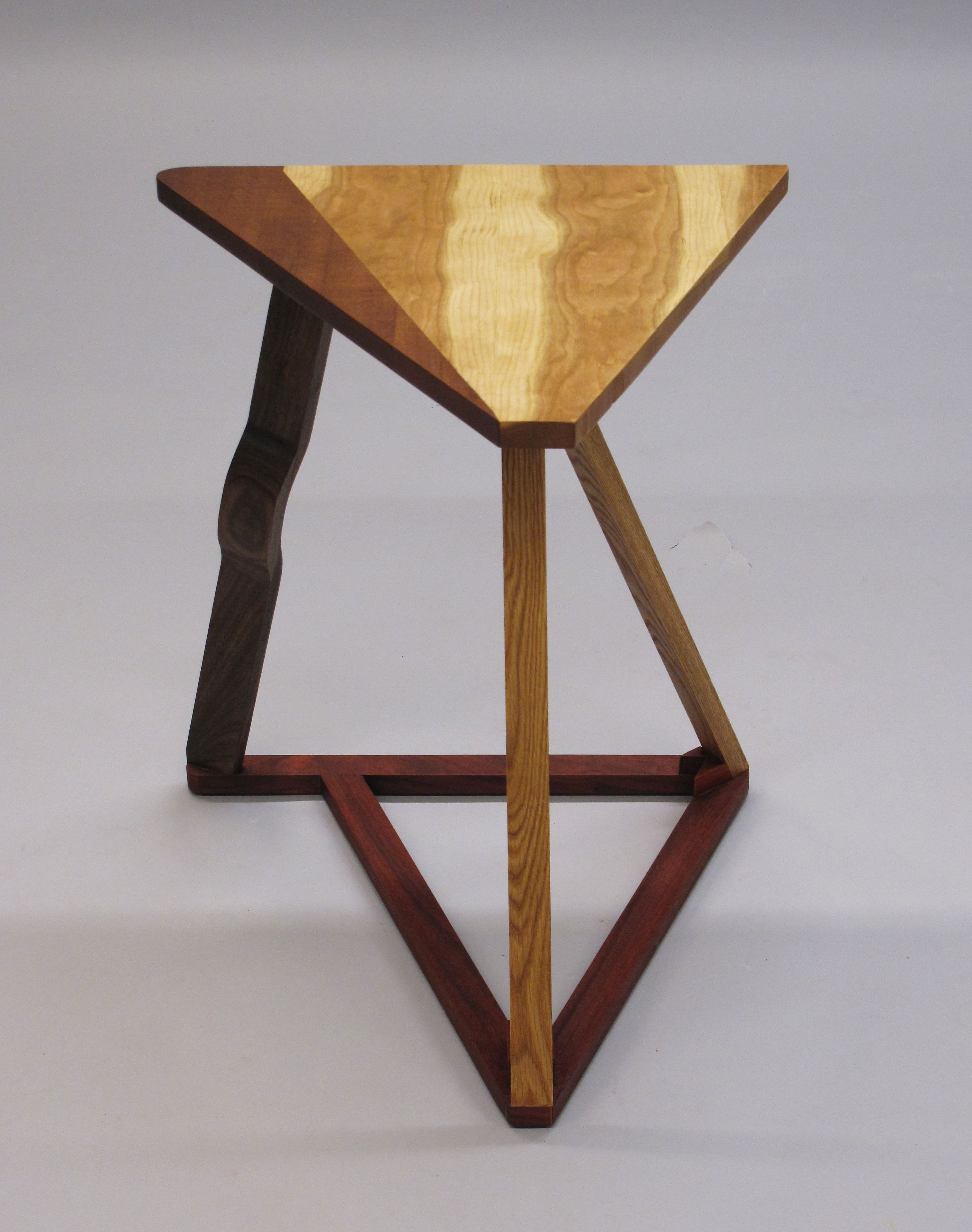 Triangle Table Rear